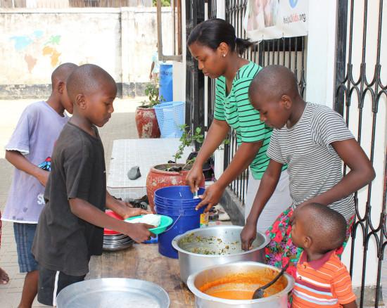 help2kids Tansania, Kinderheim: Stelle Essen für einen Monat zur Verfügung